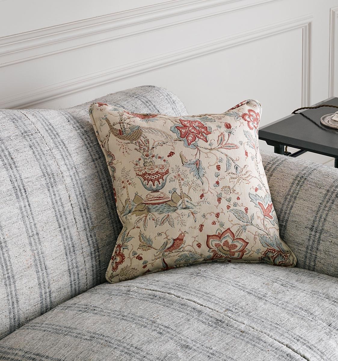 Arles Cushion