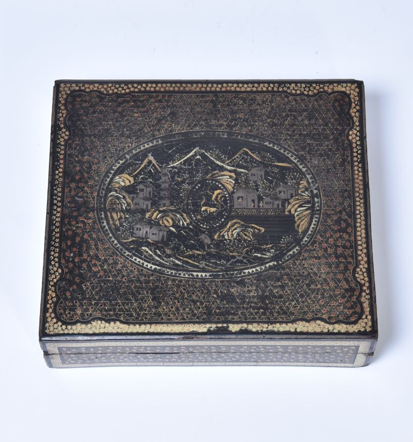 A Chinese export lacquer games box